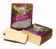 Baccus cheese with hay milk ennobled with wine whole loaf app. 1,6 kg.