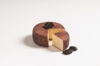 Prunot Cheese with plums must DEGUST approx. 450 gr.