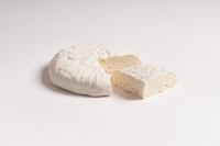 Robiola Mondovi Cheese Beppino Occelli approx. 350 gr.