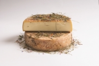 Hoamatkas Alp Cheese in Hay DEGUST approx. 500 gr.